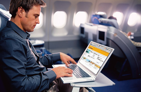 Lufthansa Business Class - Working