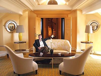 bayerischer hof seven stars global hospitality awards follow our seven stars award teams. Black Bedroom Furniture Sets. Home Design Ideas