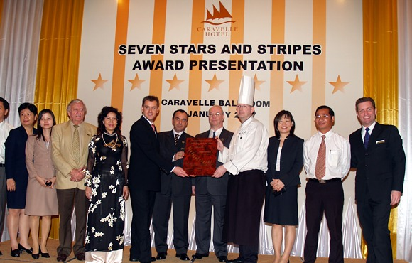 2007 Caravelle Hotel - Award-Hand-Out