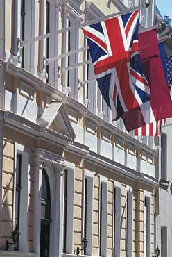 Grand Palace Hotel @ Seven Stars global hospitality awards - Follow
