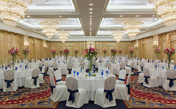 The ritz carlton moscow seven stars global hospitality for Ball room decoration